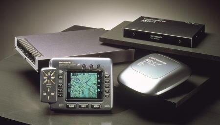 世界初の市販GPSナビ カロッツェリア AVIC-1 (出典:カーナビニュース・ドットコム)
